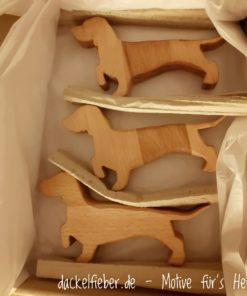 Rauhaardackel aus Holz